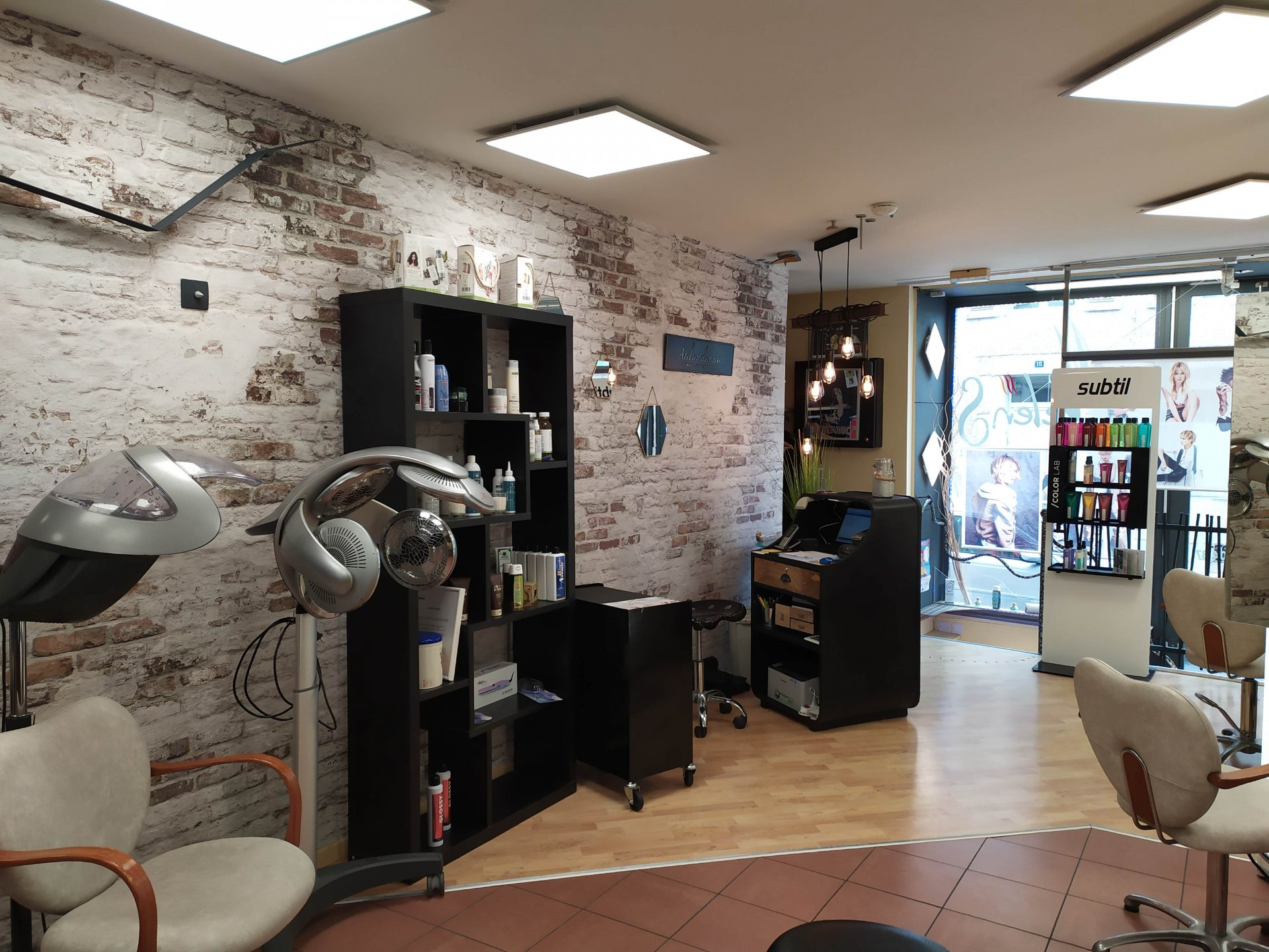 Leasehold, Hair Salon centrre of Montmorillon