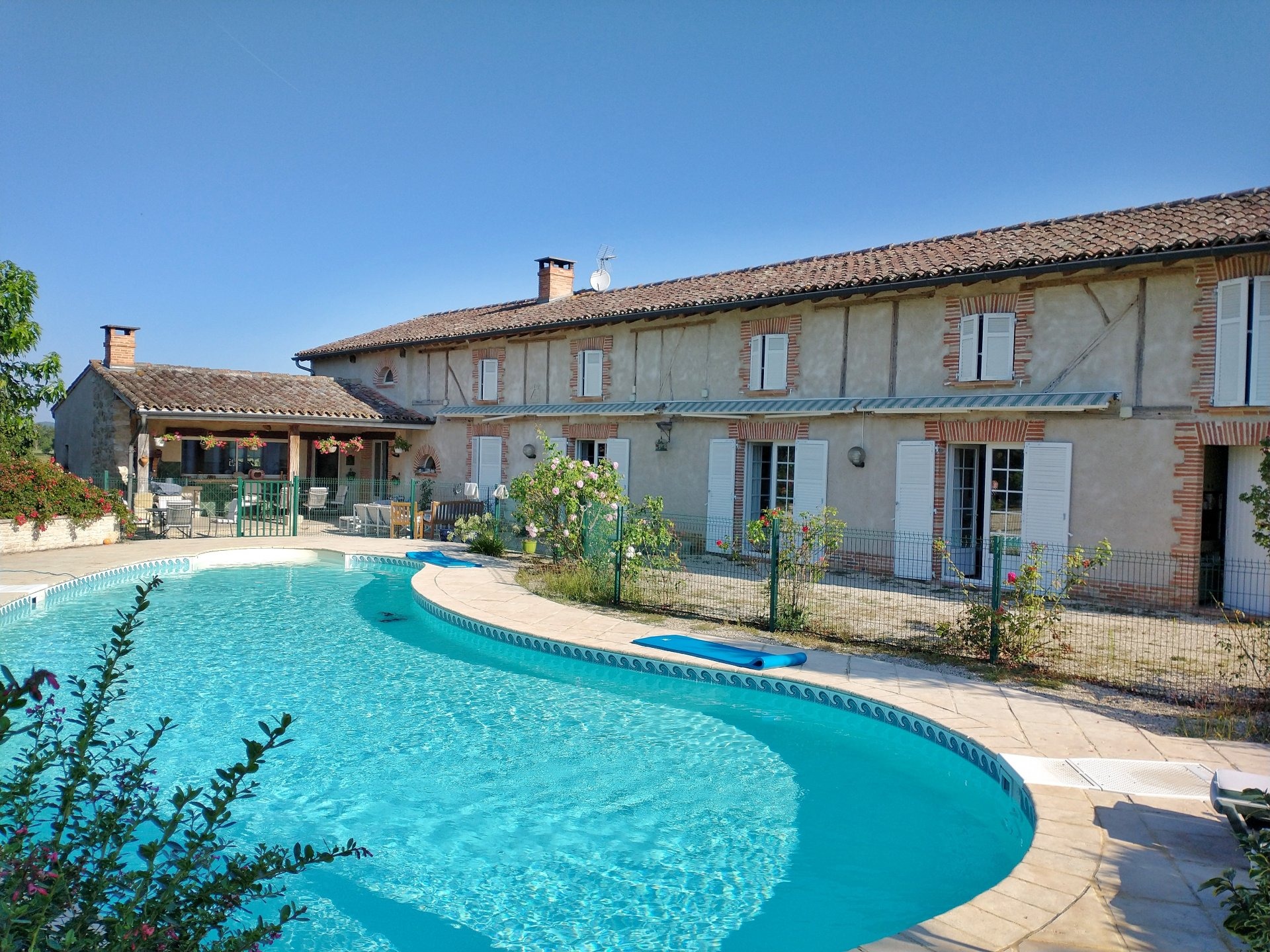Beautiful renovated farmhouse with great views