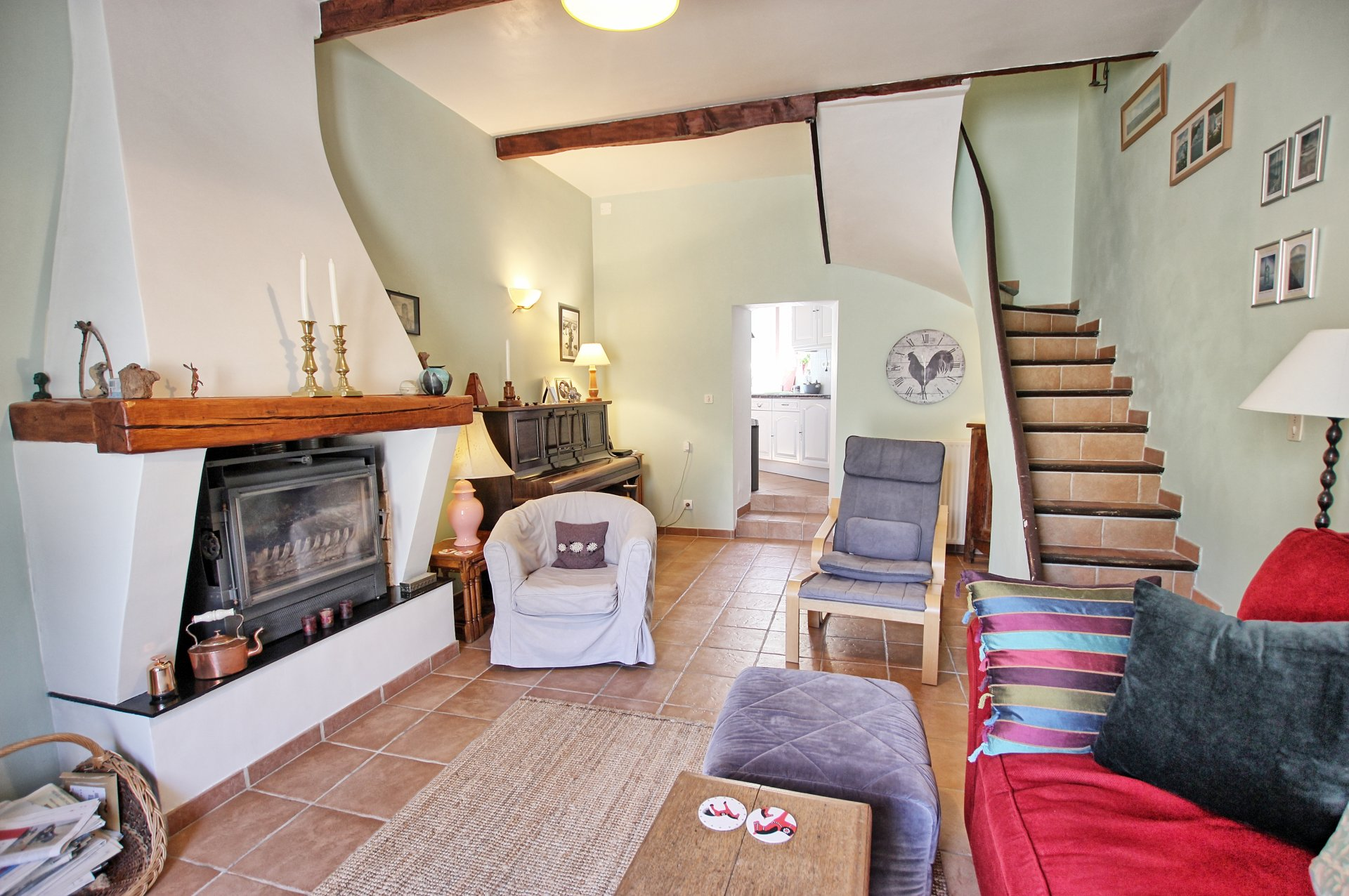 Lovely sunny 3 bedroom village house, 2 mins from commerces
