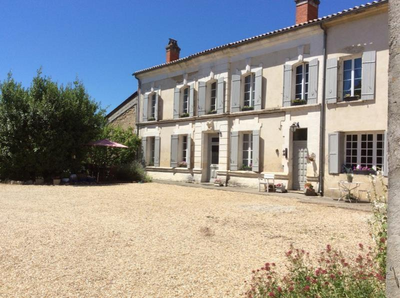 4 bed village House with gite