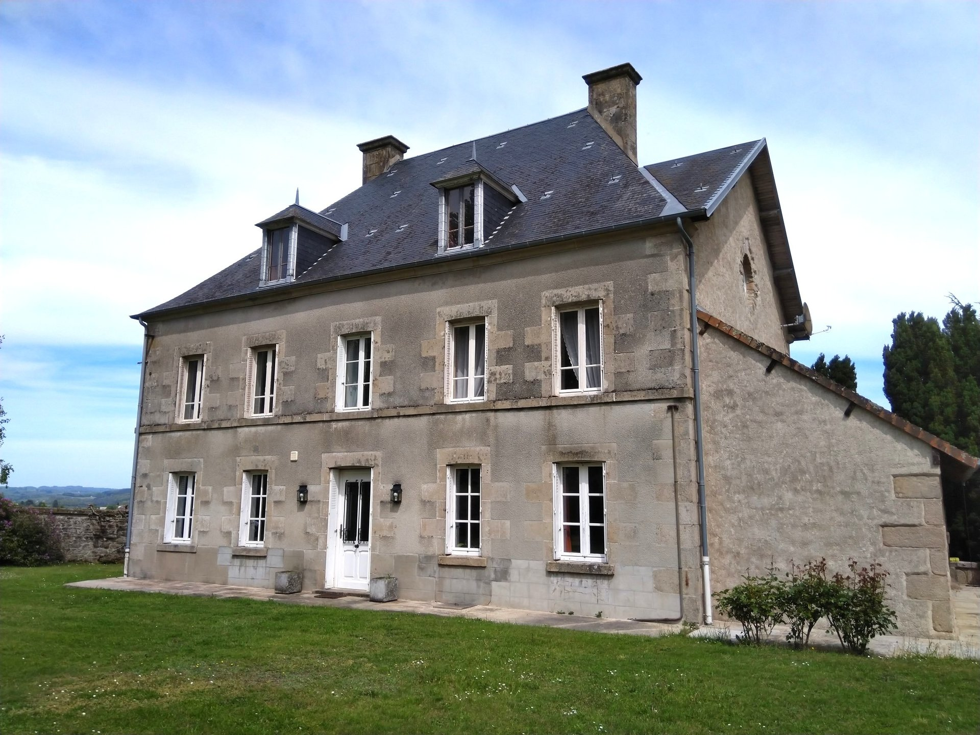 Magnificent 'Domaine' with a Maison de Maître and almost 9 acres