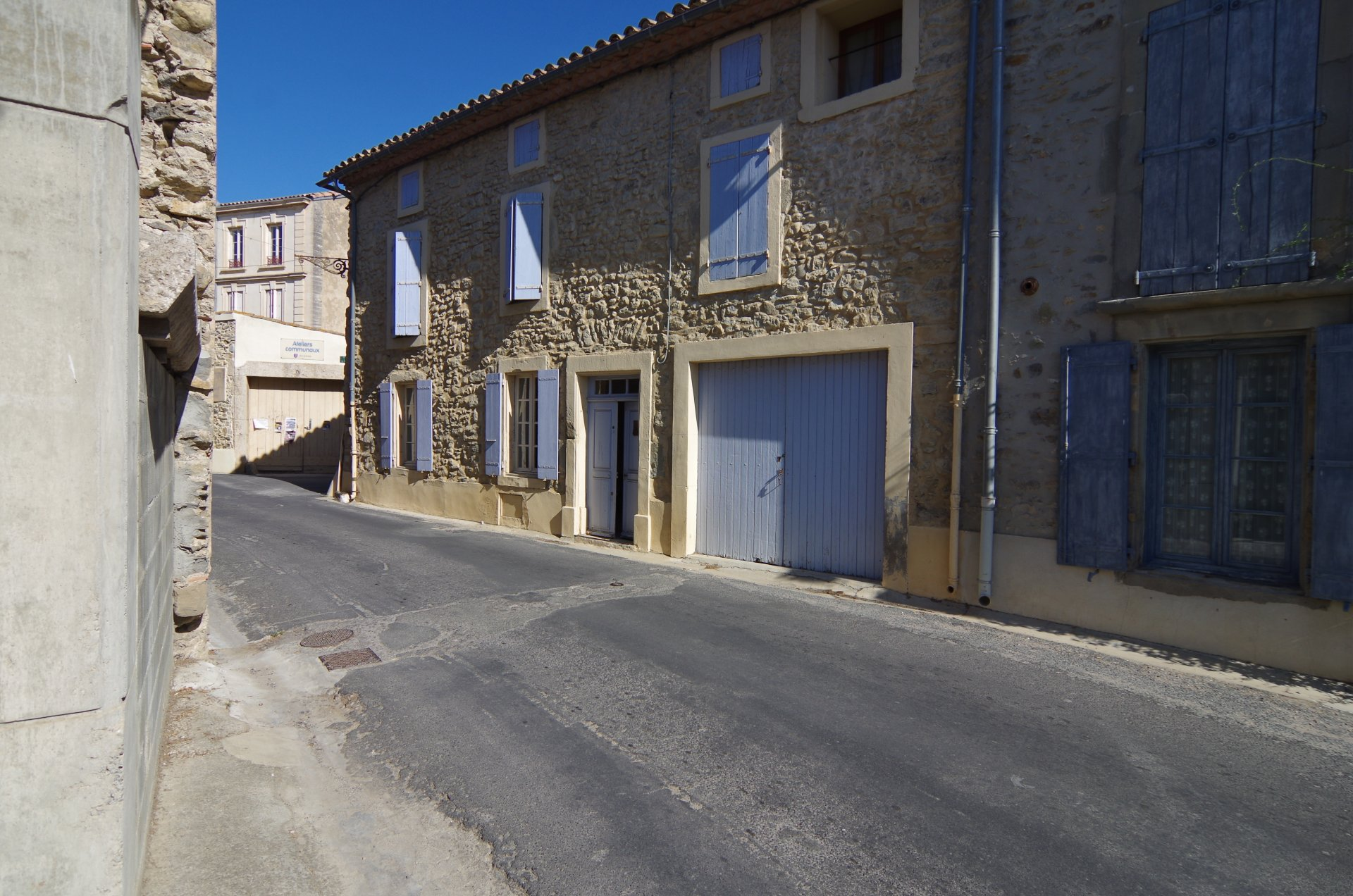 Exposed stones house for sale in Aude, with courtyard