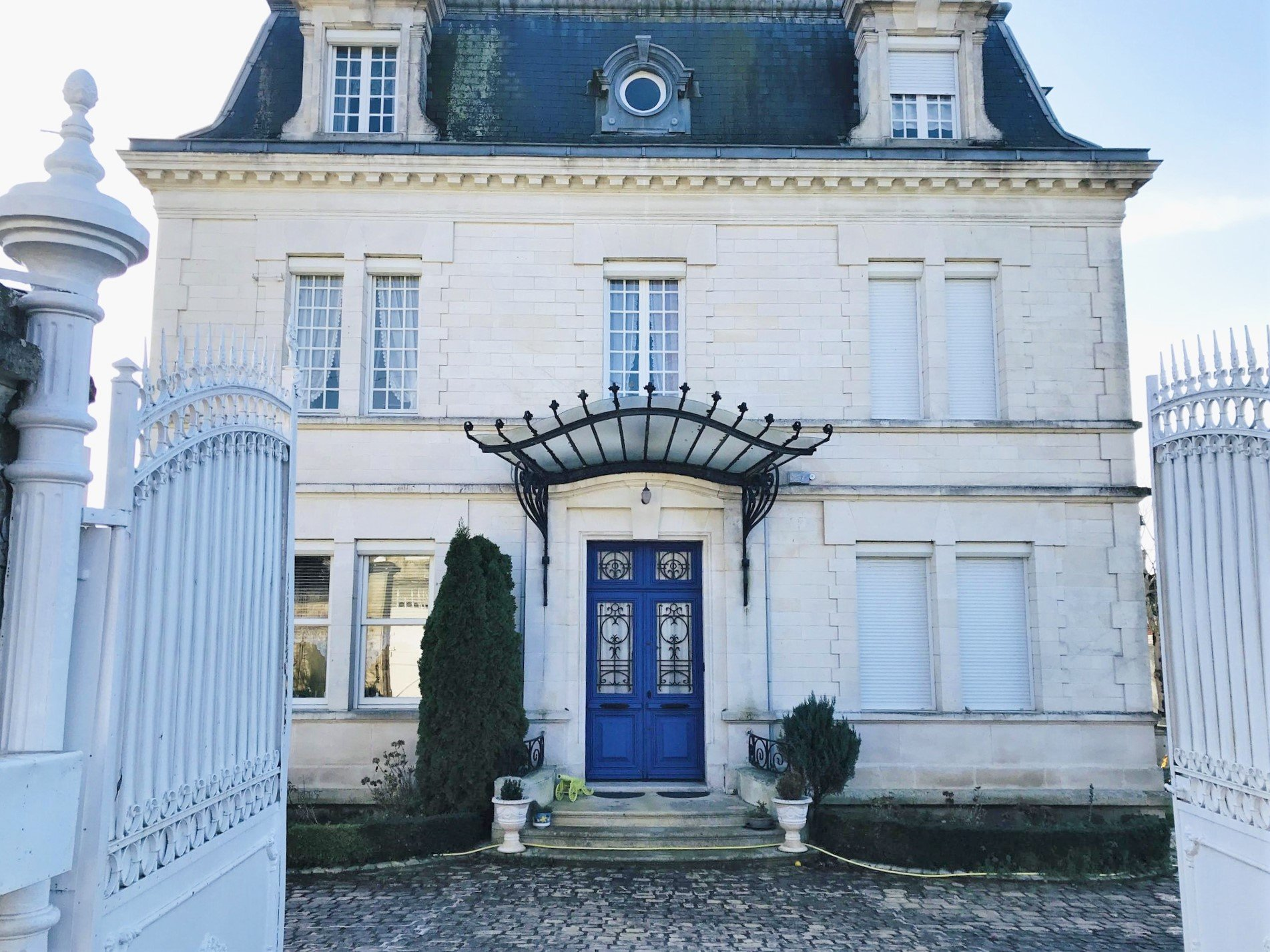 Beautiful 20th Century dwelling 15 minutes from Angoulême