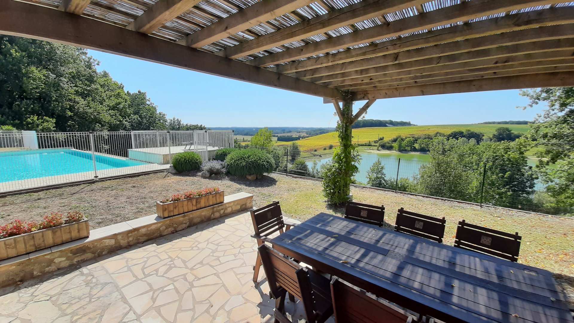 2 pretty stone cottages, swimming pool, stone barn and fabulous views close to Eymet