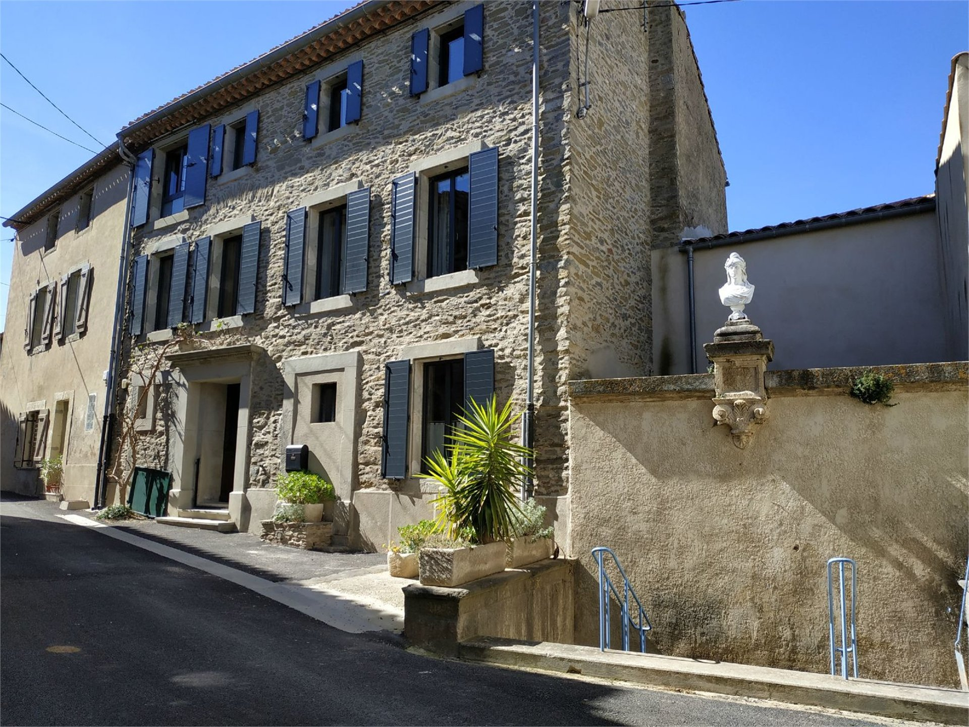 VILLAGE HOUSE WITH GARDEN AND POOL, MINERVOIS