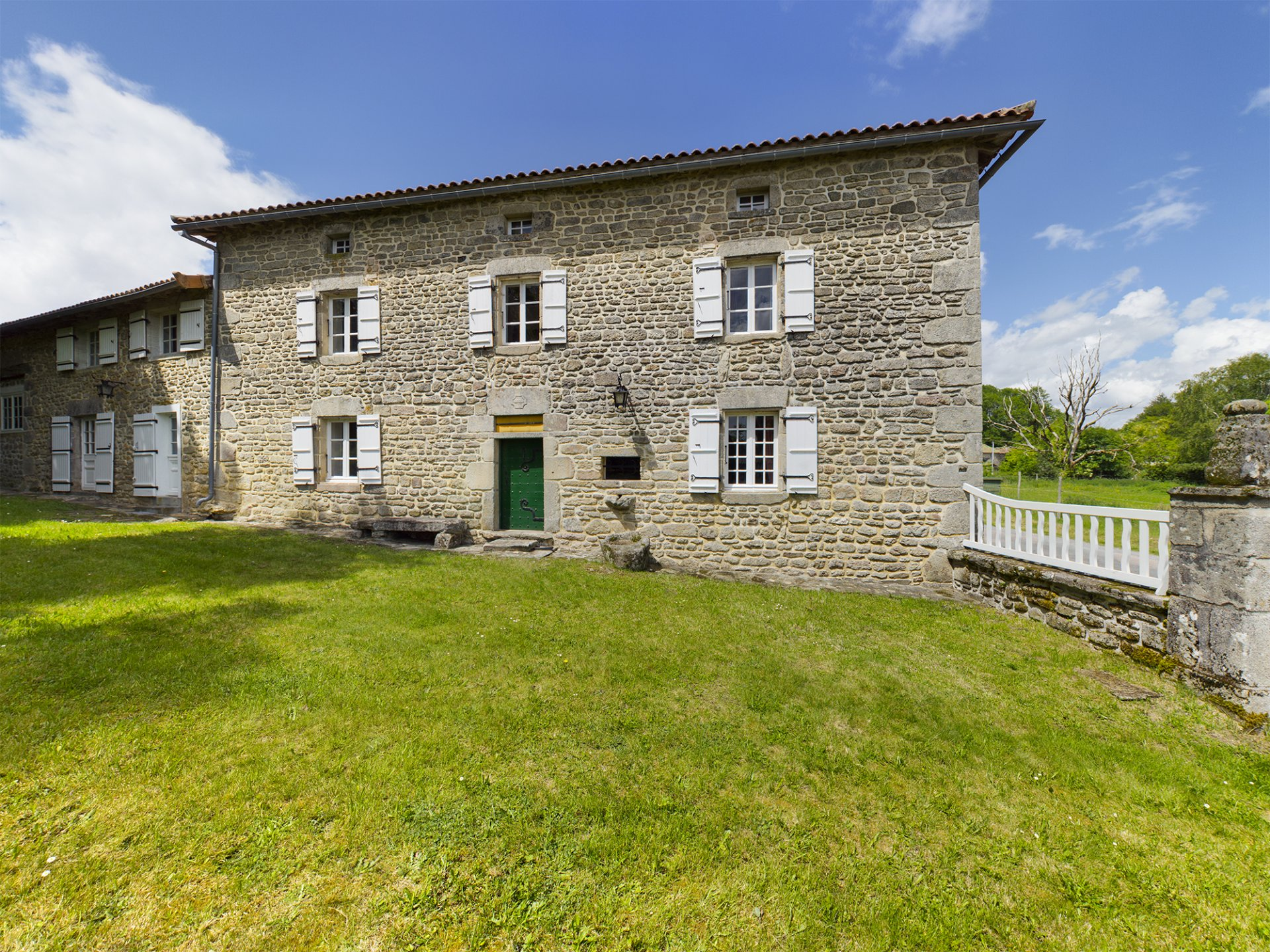 Beautiful granite house with outbuildings in the north Dordogne