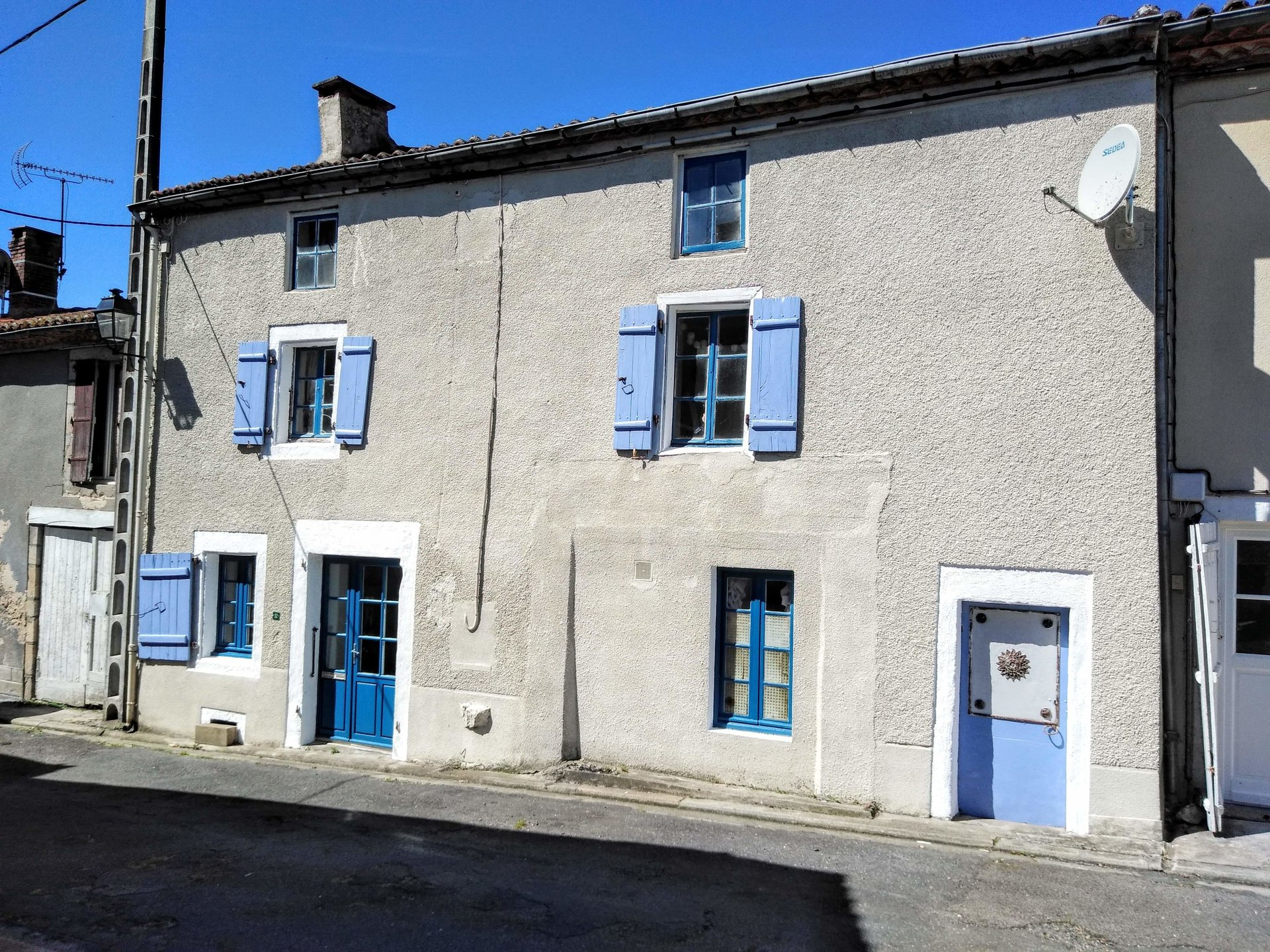Characterful, very old, village house for sale in the Perigord-Limousin area