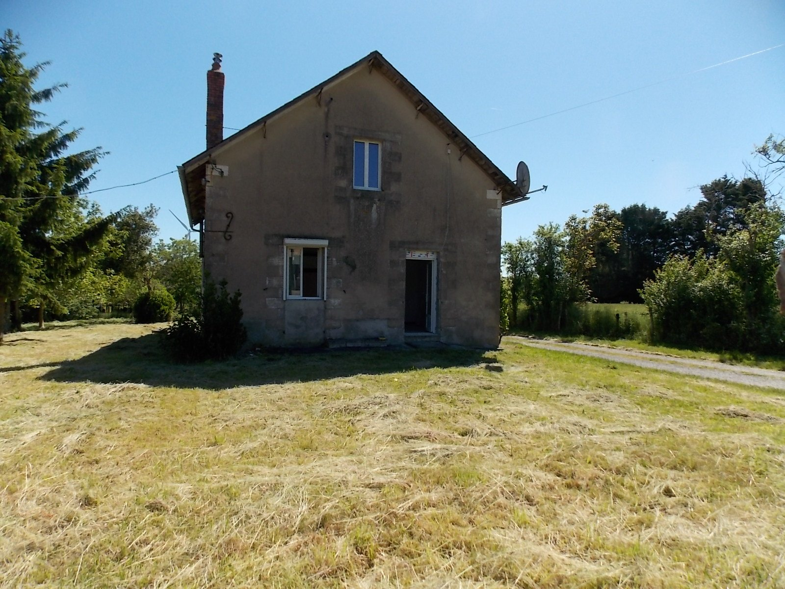 Detached stone property to renovate but habitable