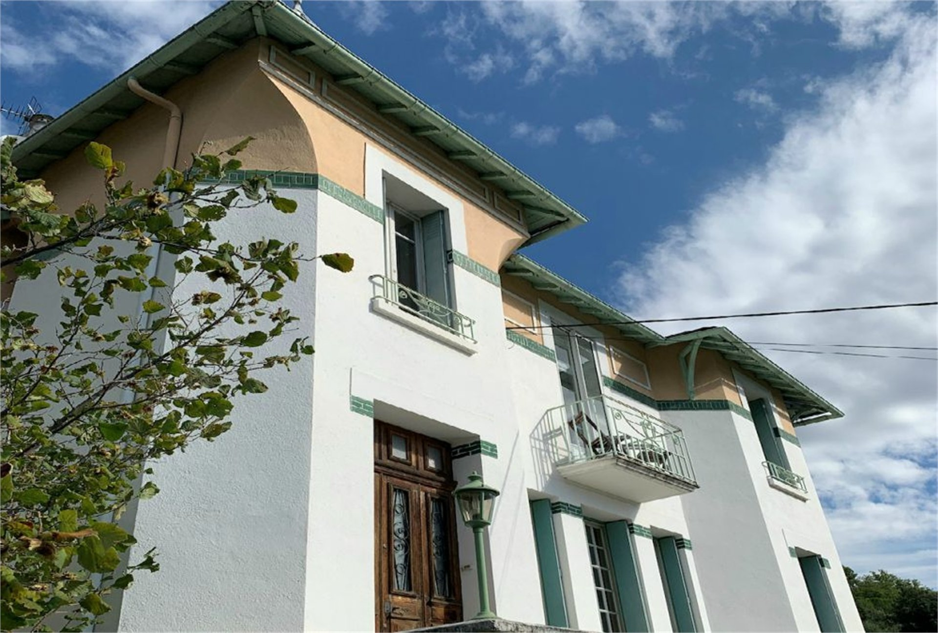 BEAUTIFUL MAISON BOURGEOISE WITH GARDEN AND POOL, QUILLAN