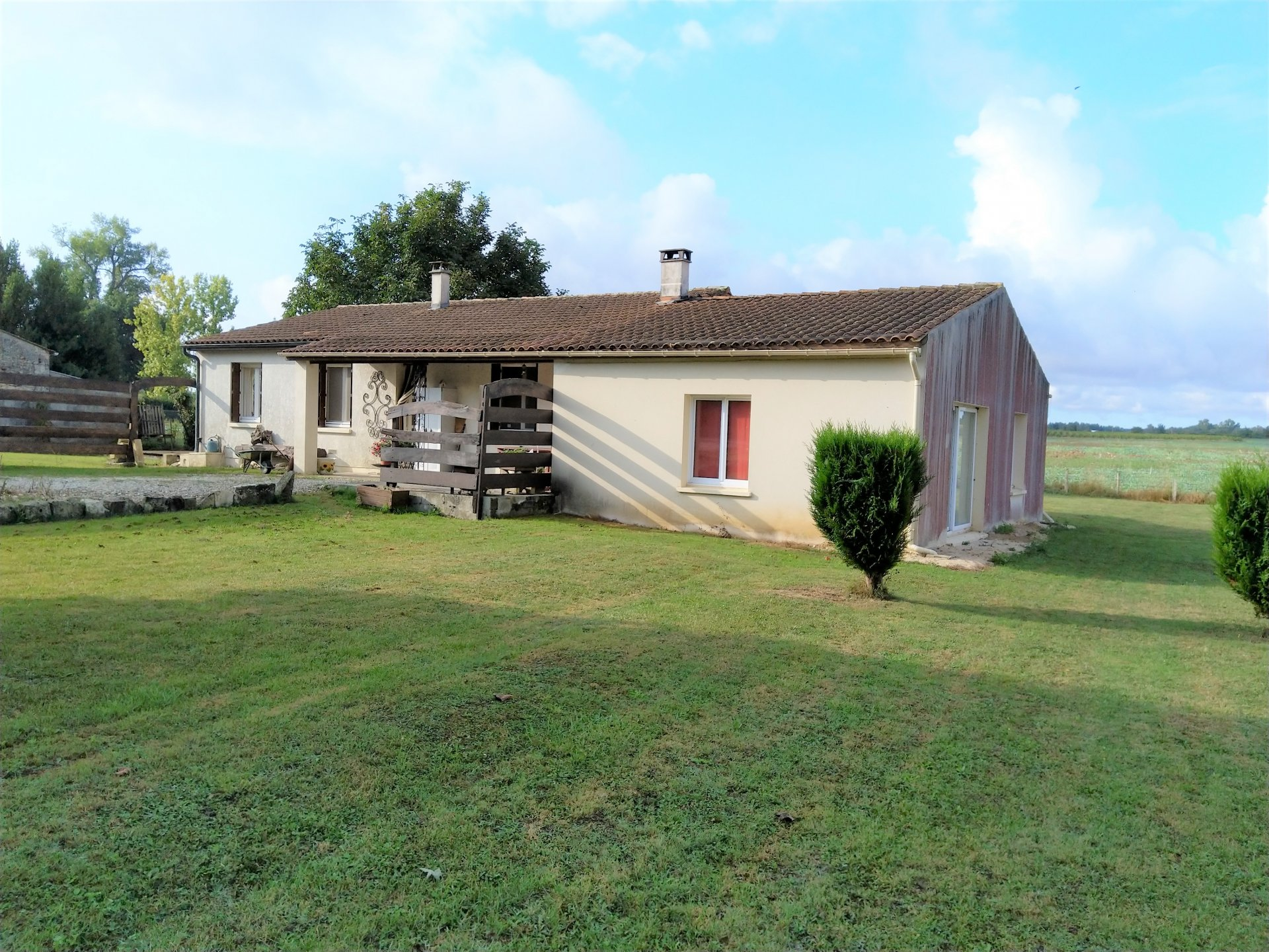Four bedroom bungalow with stone barn and garden