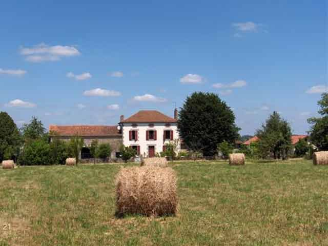 Beautiful six-bedroom Maison de Maitre with barns, studio, pool, 1.5 hectares in the Limousin area