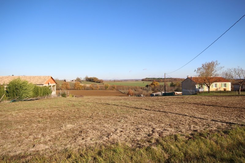 Amazing building plot with stunning views in a very quiet location