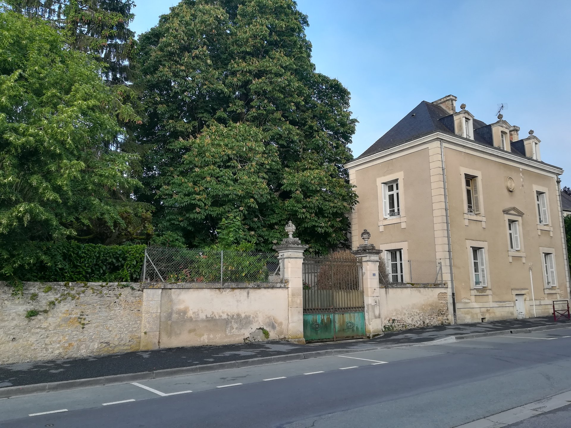 Beautifully restored maison de Maître retaining all original features
