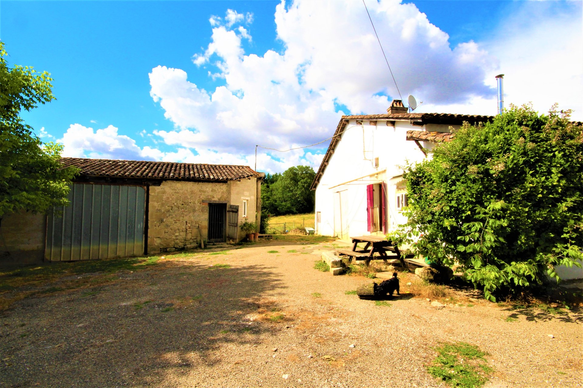2 Bed farmhouse with several outbuildings ripe for renovation and 6 hectares of land