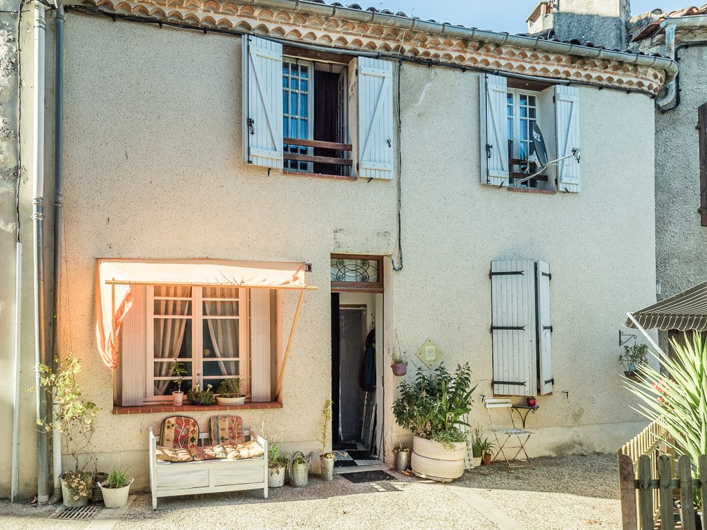 A character 3 bed village house in popular location