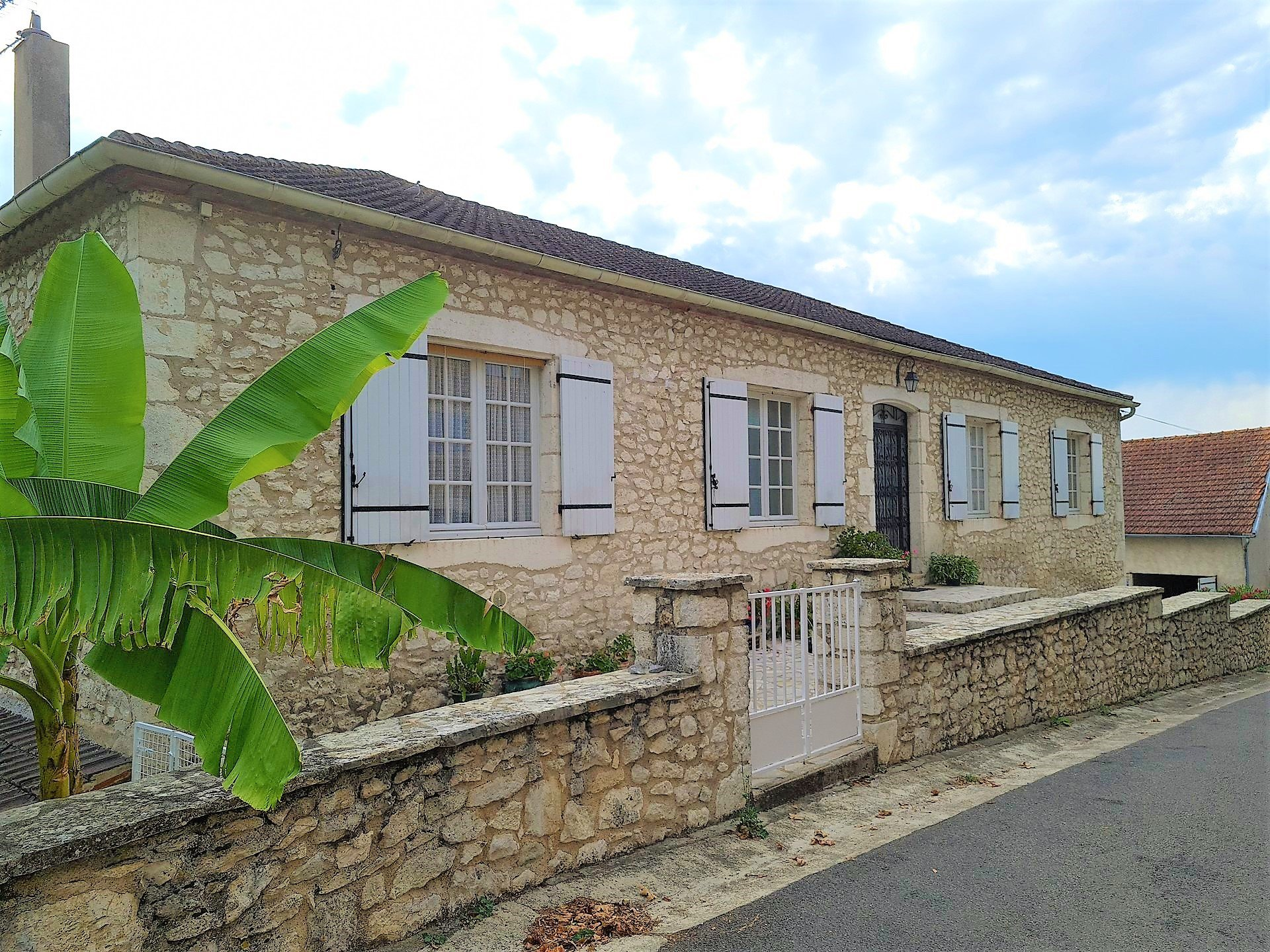 A rare find...Beautiful stone house with apartment in village