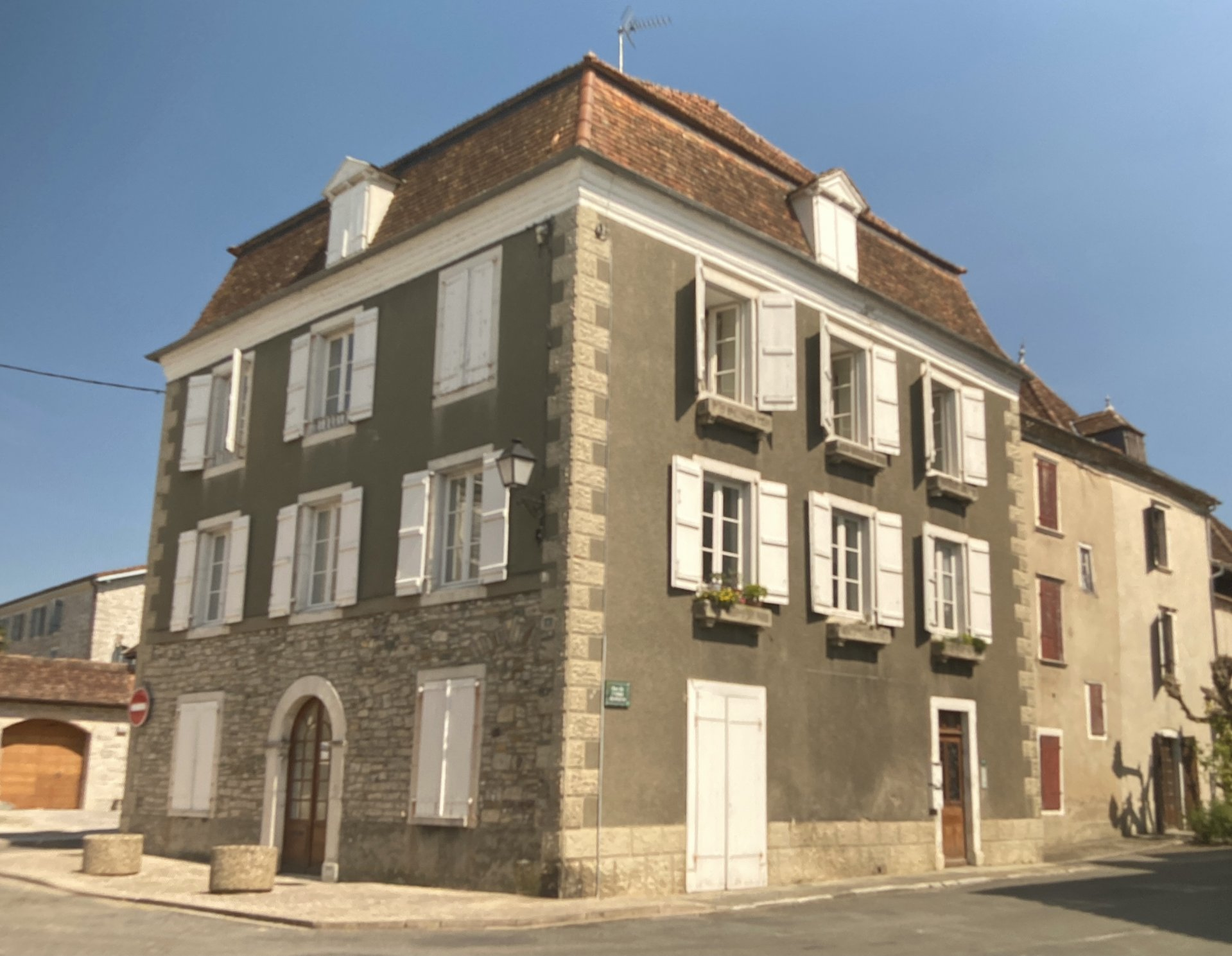 An interesting investment project in the centre of Sauveterre de Béarn