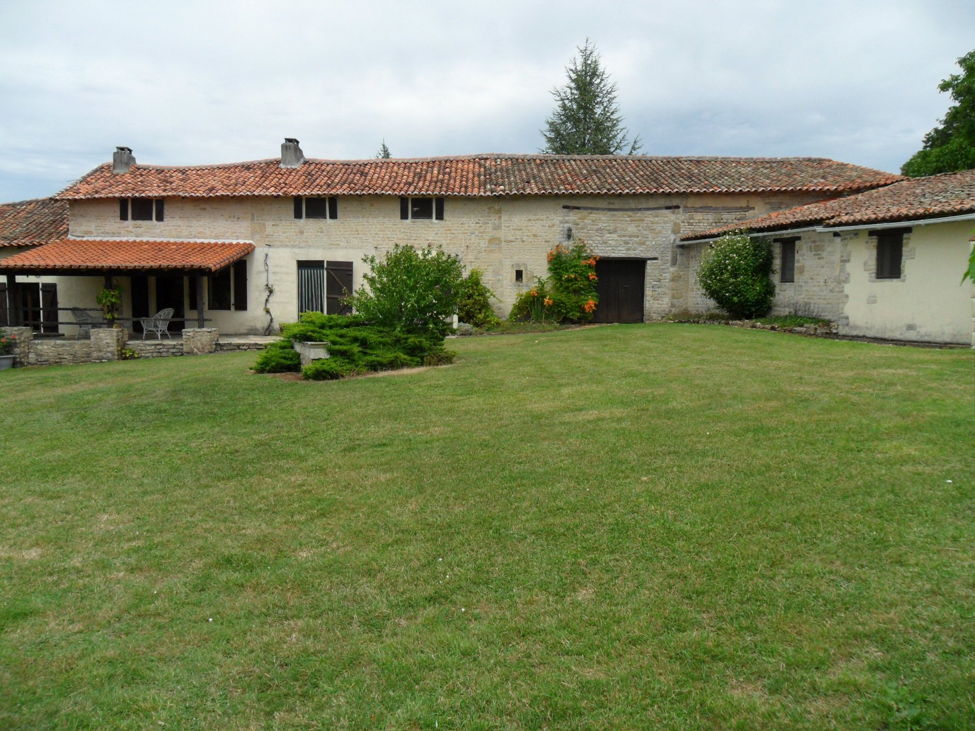 House with gite barns and swimming pool. Make a living here in France!