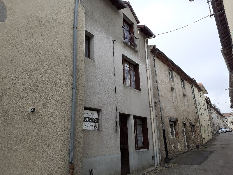 Great value Townhouse in the centre of Le Dorat