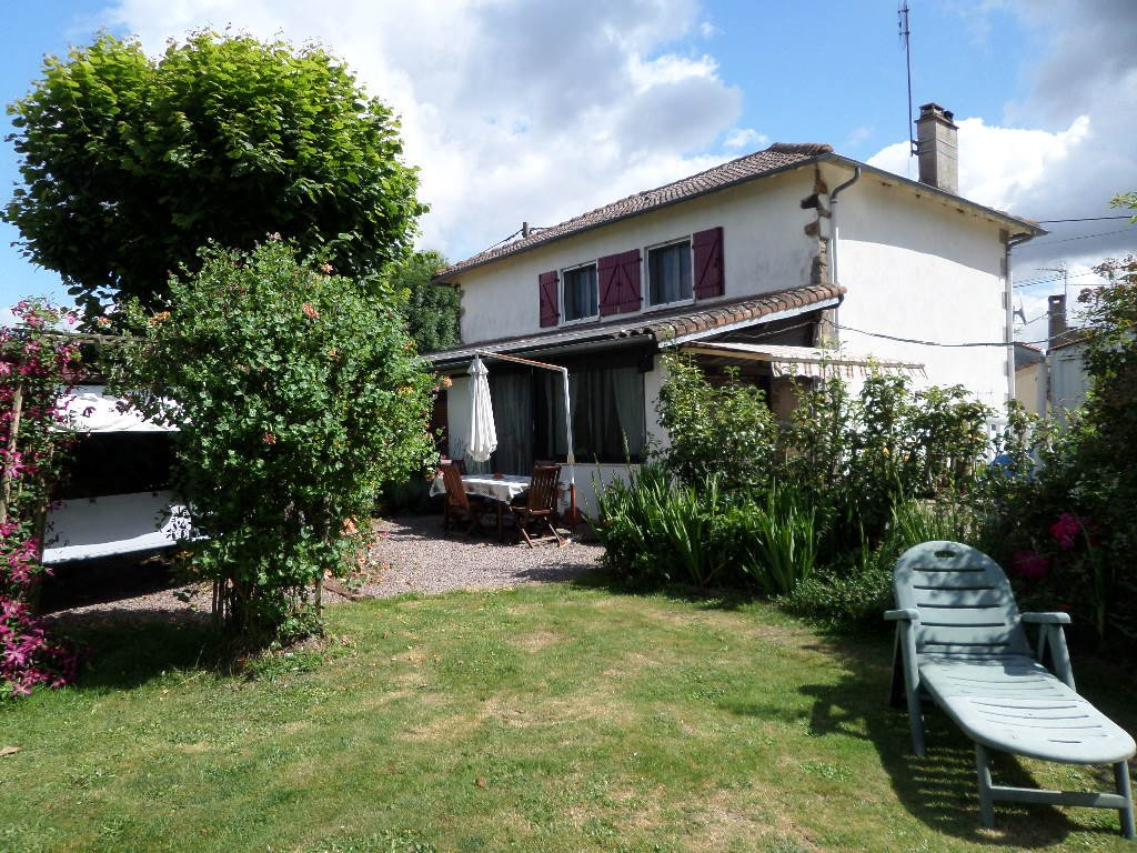 Spacious family home in the heart of the Limousin