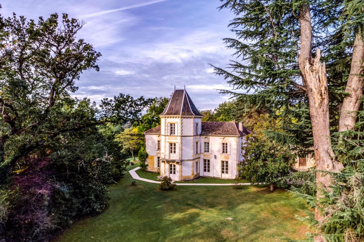 Idyllic historic domaine with gite business