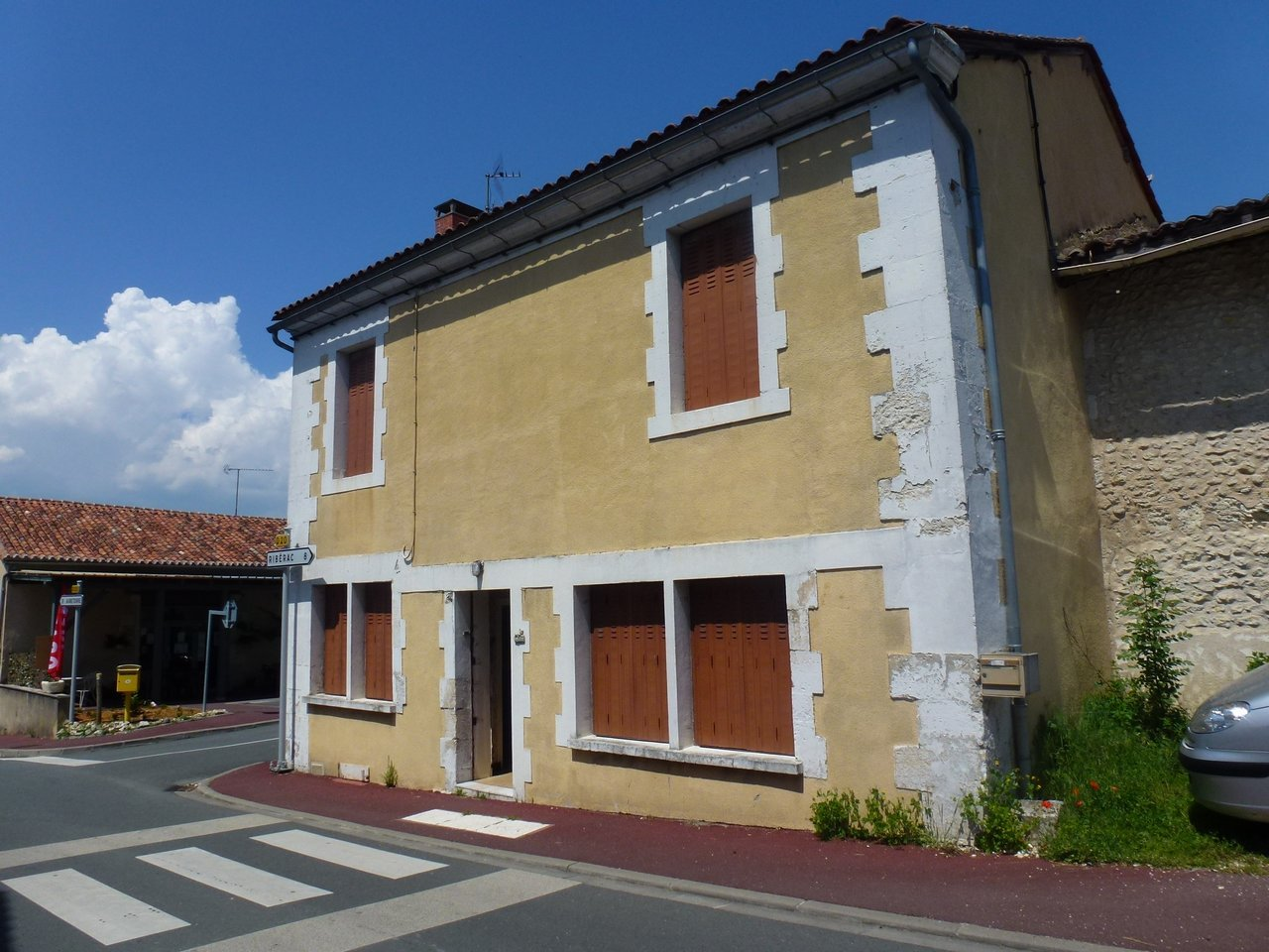 Small house close to Riberac and Aubeterre