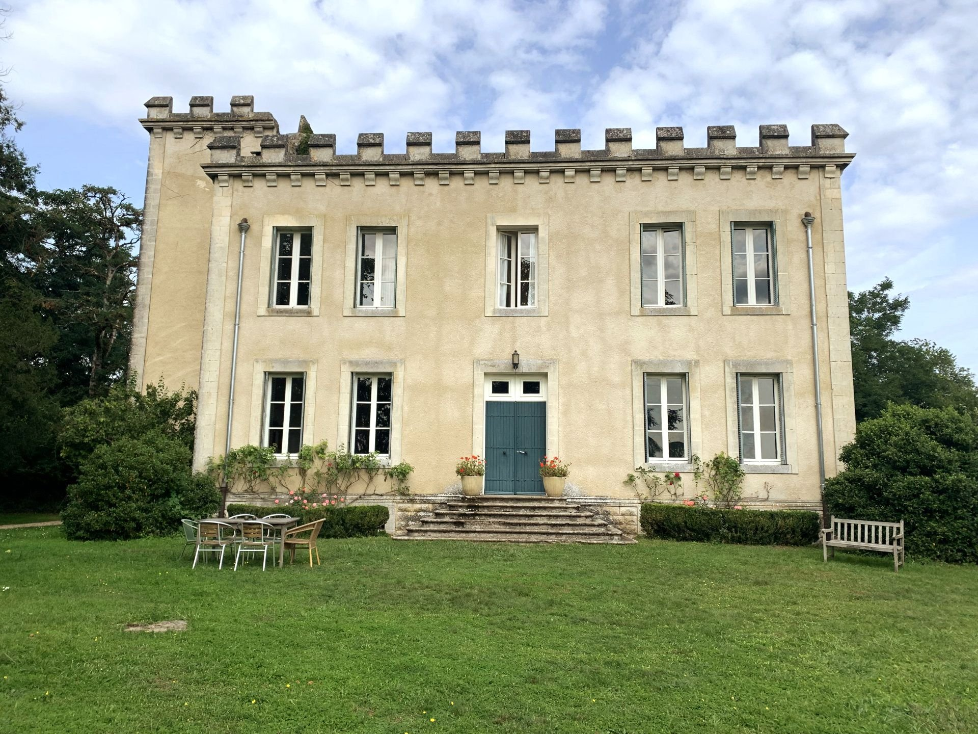 Stunning Chateau With Detached Lodge Dwelling Offering Fabulous Income Potential