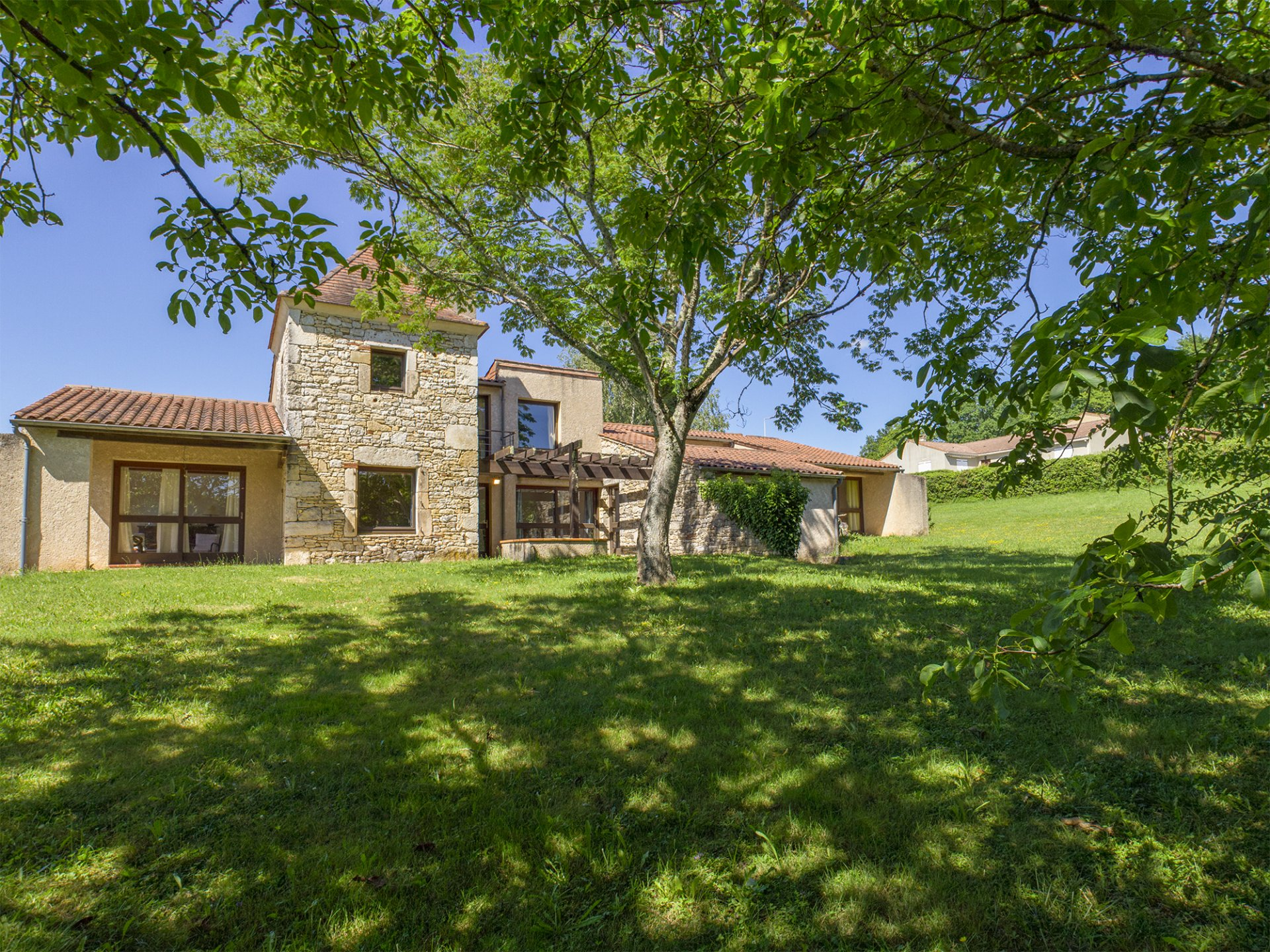 VERY NICE HOUSE PARTLY IN STONE WITH VIEWS