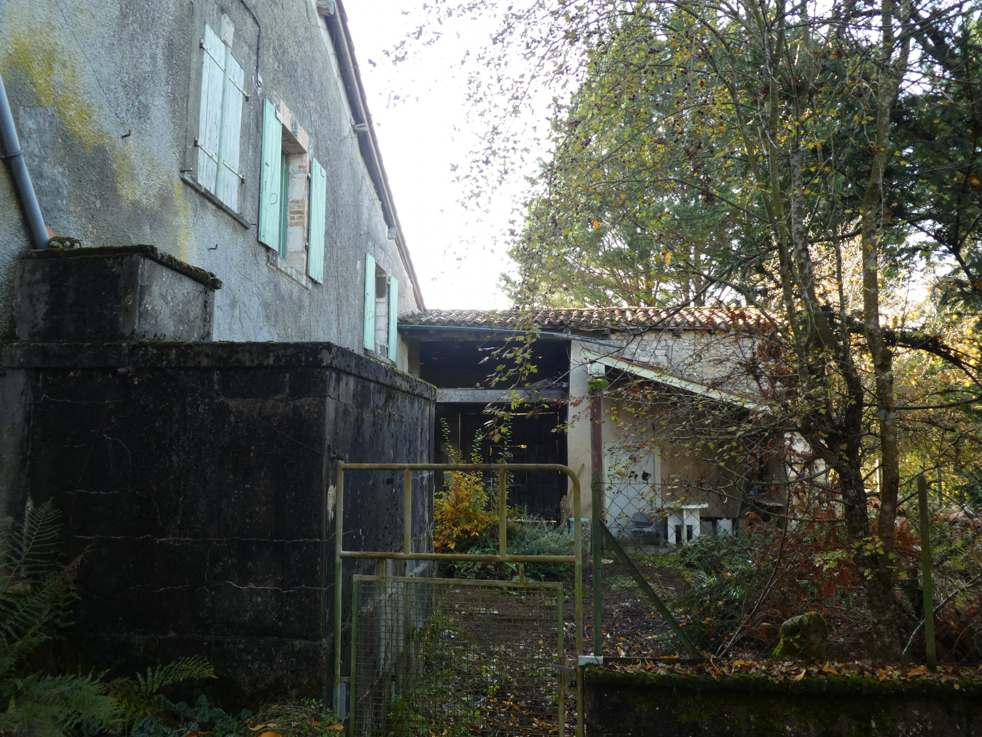 Property for renovation with bags of potential!