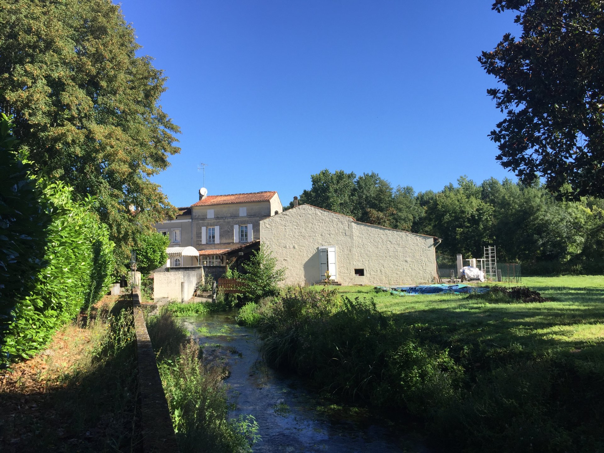 Water mill and guest house near Cognac